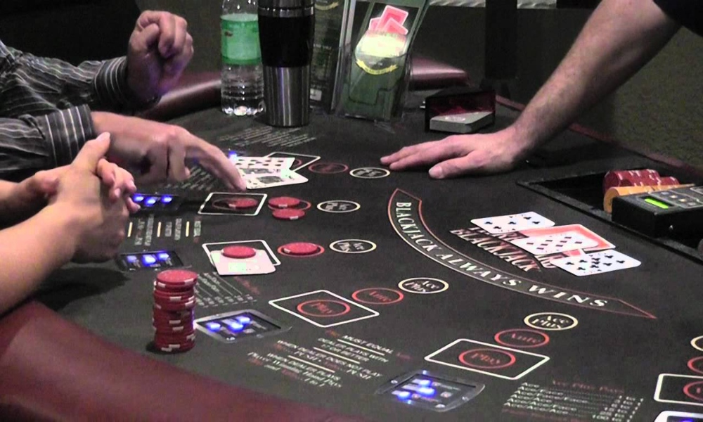 how to play three card poker - casino